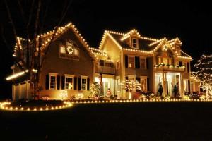 Christmas-outdoor-lighting